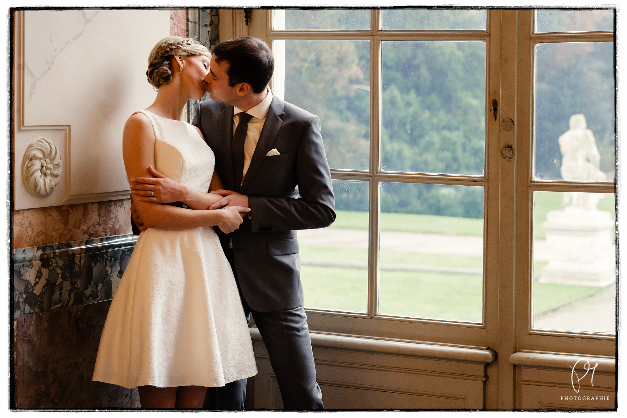 Viel Zeit für die offiziellen Hochzeitsfotos hatten wir nicht. Das Brautpaar war gücklich und wunderschön - da konnte nichts schiefgehen!